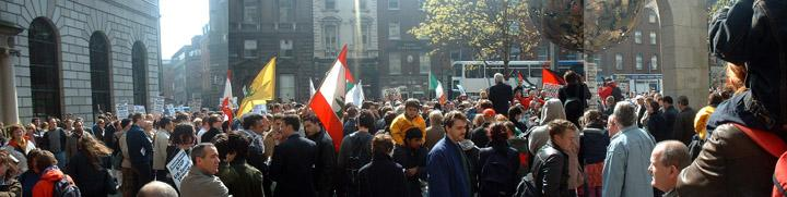 Palestinian demonstration crowd at Central Bank, Dublin